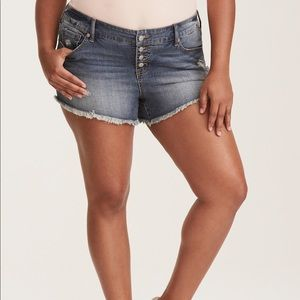 NWT Torrid Size 20 distressed Button Fly Shorts